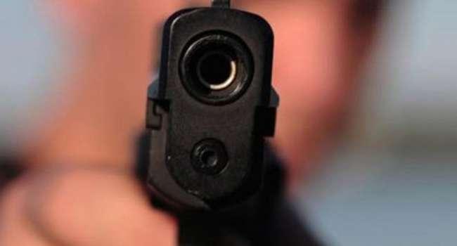 Трагедия под Бучей: 15-летния школьница застрелила 16-летнего подростка