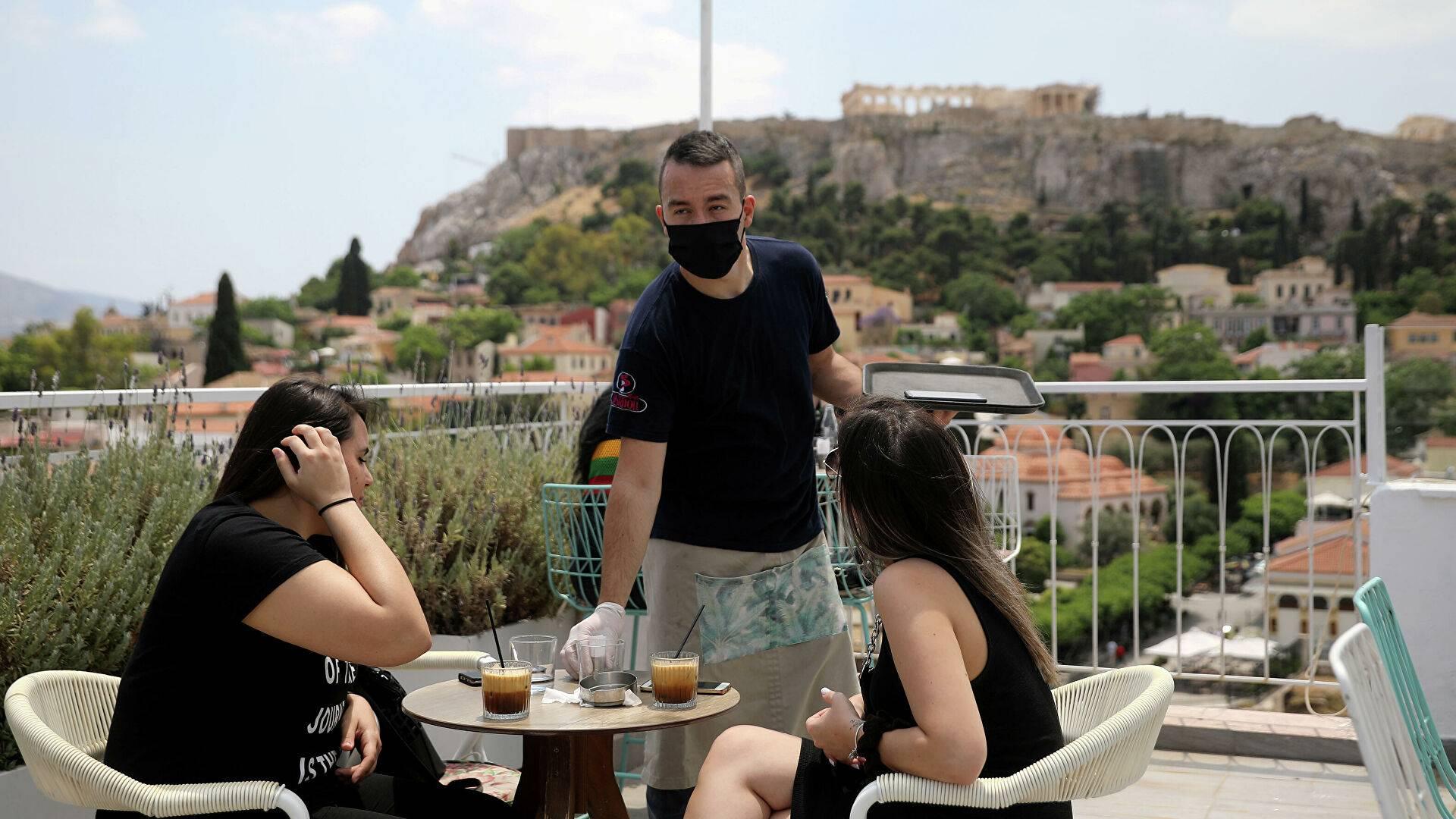 Власти Греции решили усложнить пребывание иностранцам